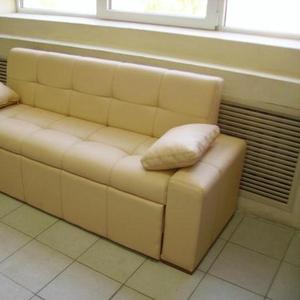 Продаю диван,  кож.зам.,  цвет бежевый,  б/у 1 месяц