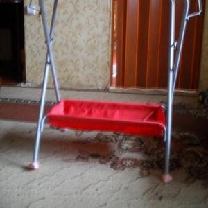 Компактный и удобный пеленальный стол