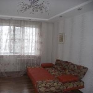 сдаю 3-х комнатную квартиру с евроремонтом