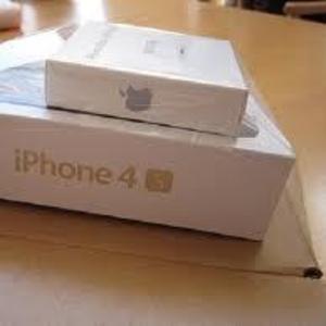 Apple iphone 4S 64GB unlocked.........$550usd